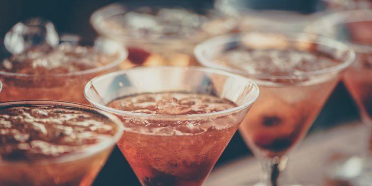 Tipuri de cocktailuri la cafenea