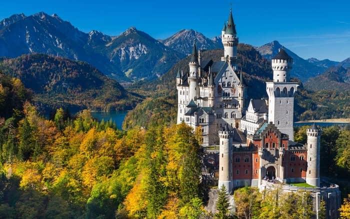Admirati Castelul Neuschwanstein