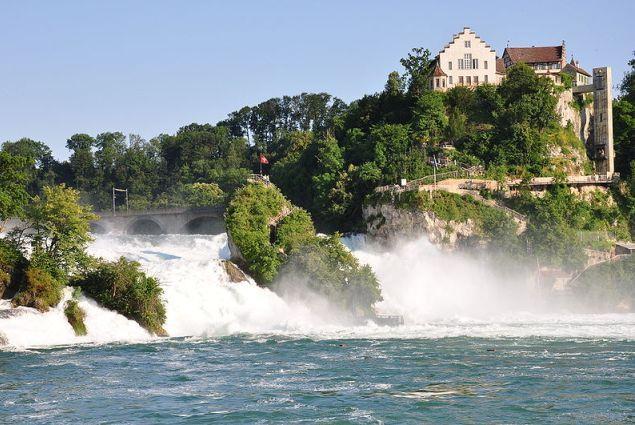 Vizitati Cascada Rinului