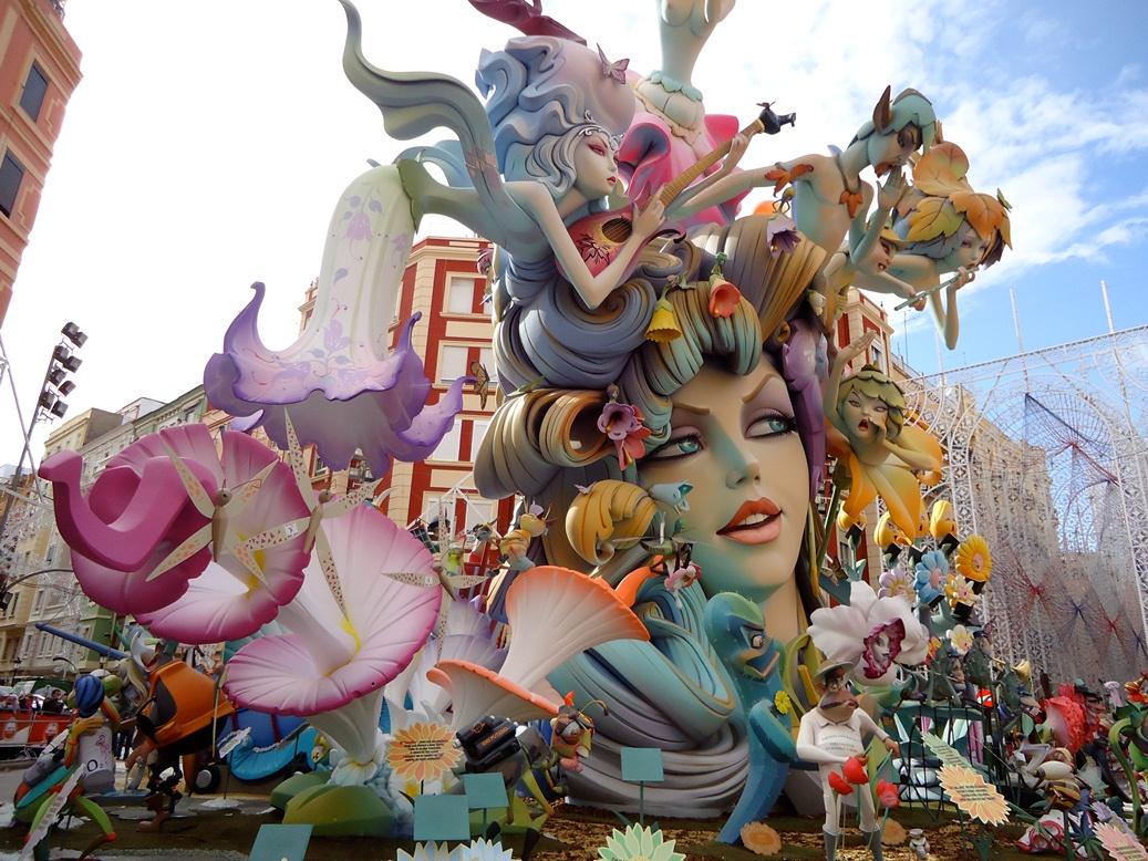 Experimentati ciudatul si minunatul Festival Fallas