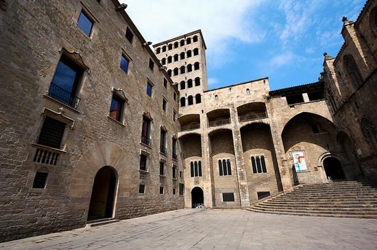 Calatorie in timp la Placa del Rei si Muzeul de Istorie al orasului Barcelona