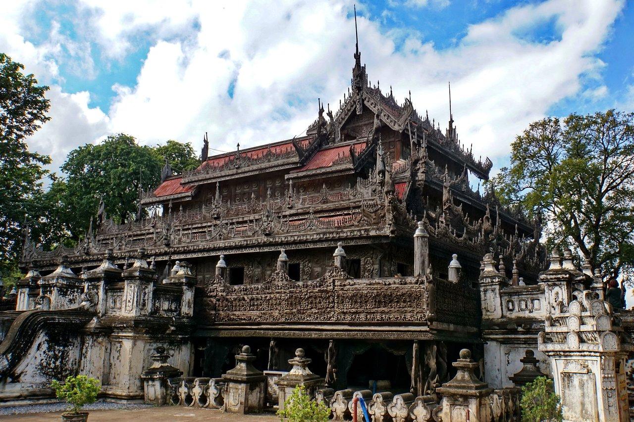 Shwenandaw Kyaung (Templul din Teak)